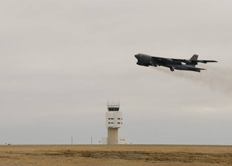 A B-52H Stratofortress takes off on April 25, 2021 at Minot Air Force Base, North Dakota. The bomber is one of two B-52 aircraft that arrived at Al Udeid Air Base, Qatar, on April 26, 2021, joining two additional B-52 bombers that arrived April 23. The bombers are deployed to protect U.S. and coalition forces as they conduct drawdown operations from Afghanistan. (Airman 1st Class Evan J. Lichtenhan/Air Force)
